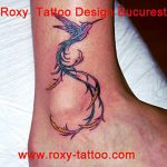pasare colibri tatuaj model executat de saloane de tatuaje Roxy Tattoo bucuresti