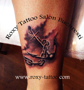 tatuaje ancore roxy tattoo