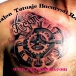 modele tatuaje ceas piept