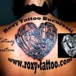 modele tatuaje inima spate
