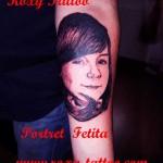 modele tatuaje portret copil mana fata antebrat
