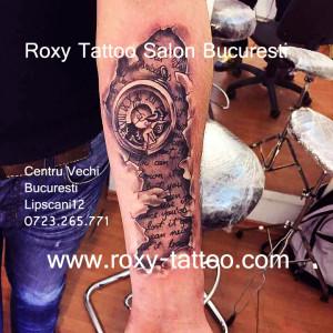 ceas modele tatuaje baieti biomecanic saloane tatuaje bucuresti roxy tattoo