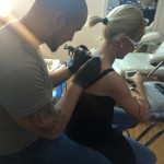 modele tatuaje fete saloane tatuaje spate
