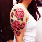 tatuaje fete modele flori roxy