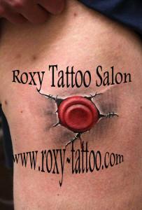 tatuaje modele baieti piept salon roxy tattoo