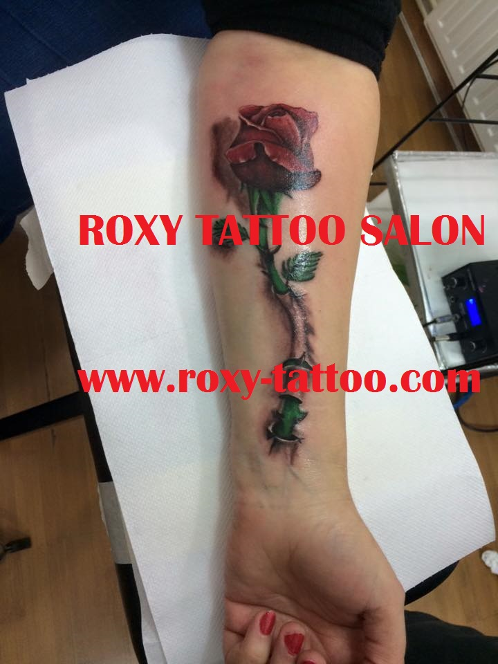 trandafir salon de tatuaje bucuresti roxy tattoo