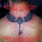 cheie aripi tatuaje